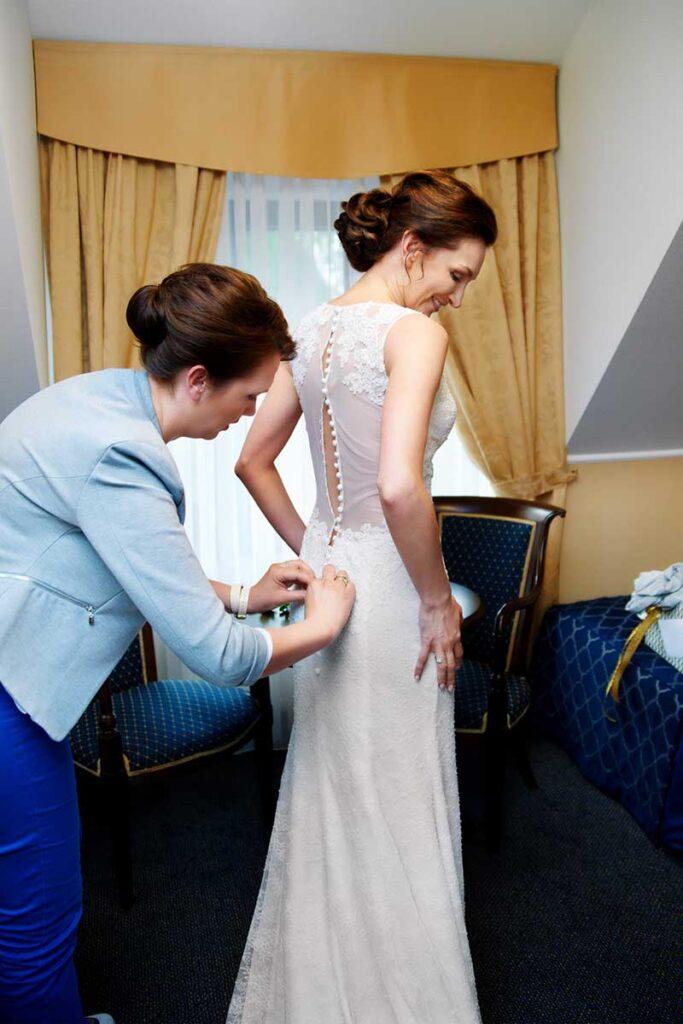wyjątkowa suknia ślubna panny młodej