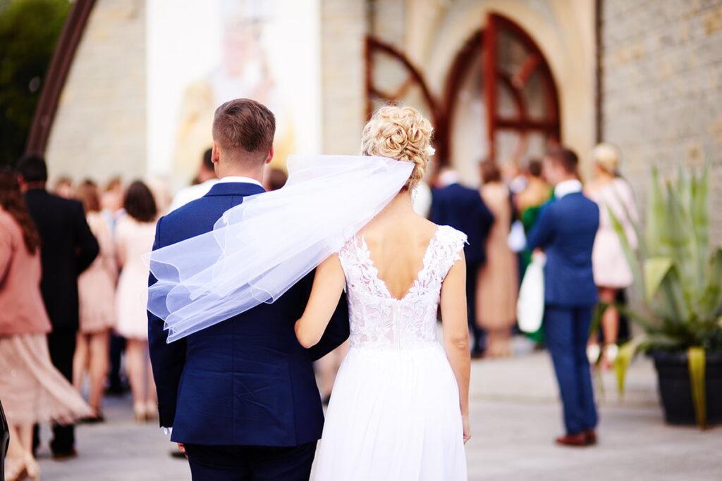 ślubny welon panny młodej