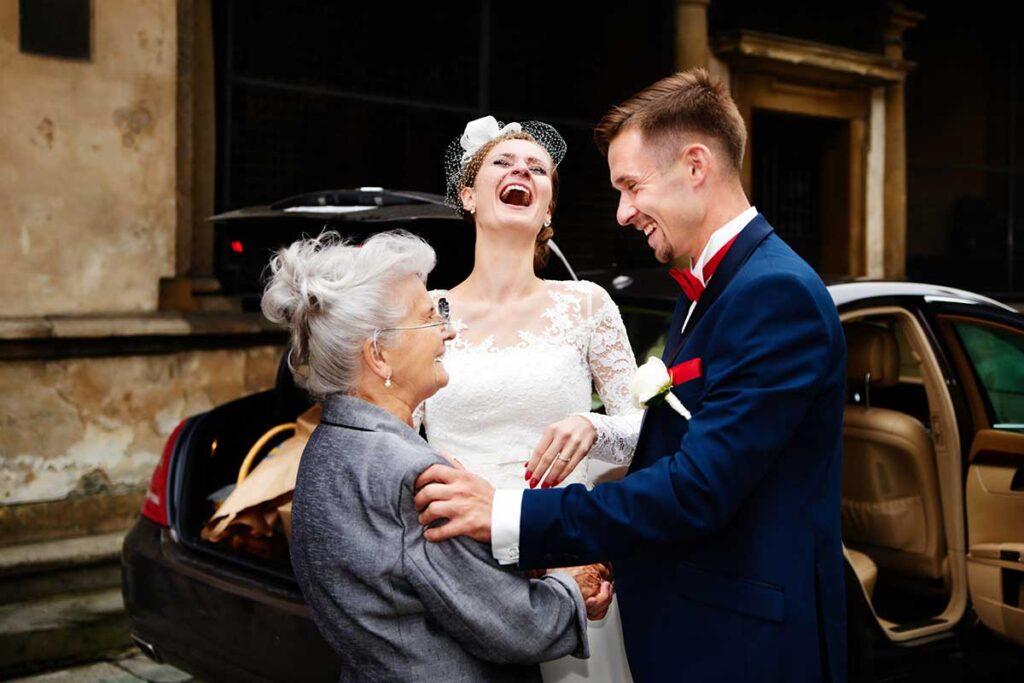 szalona radość i życzenia od babci