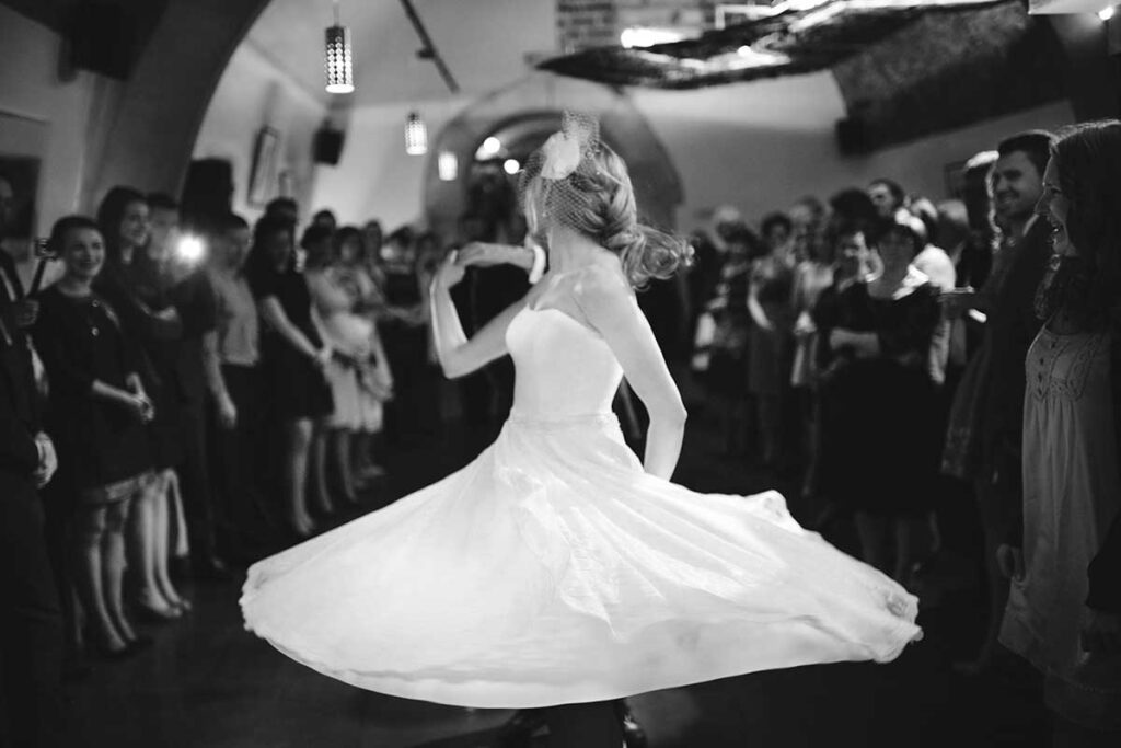 taniec panny młodej w restauracji No. 9 w Krakowie