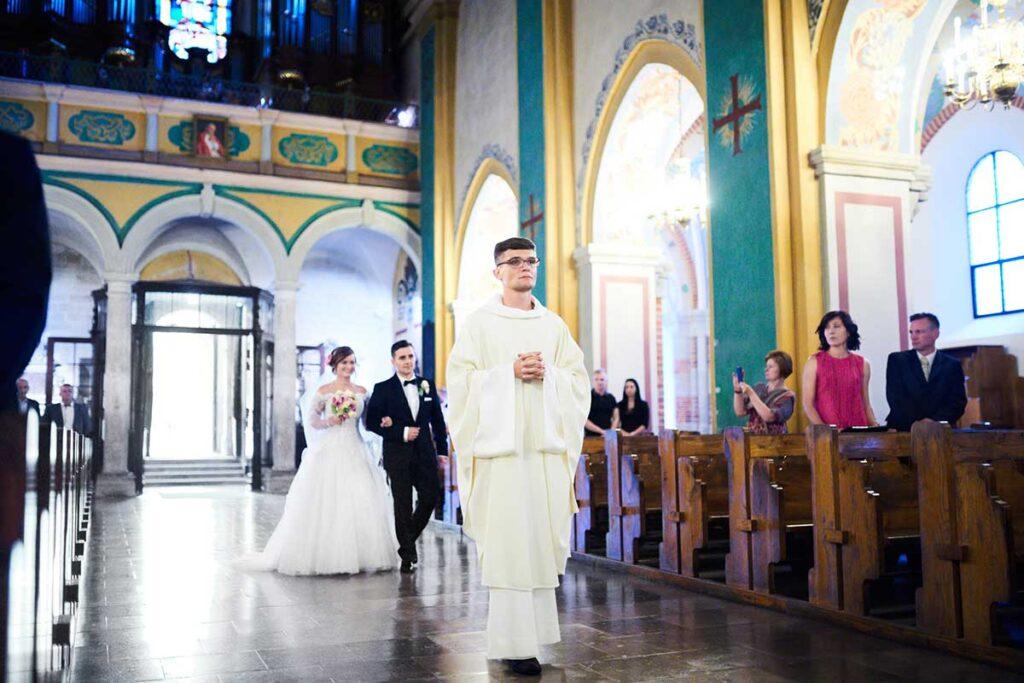 wejście do kościoła w krakowie
